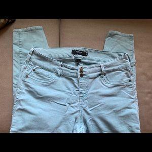 Torrid jeggings/ jeans three button light blue
